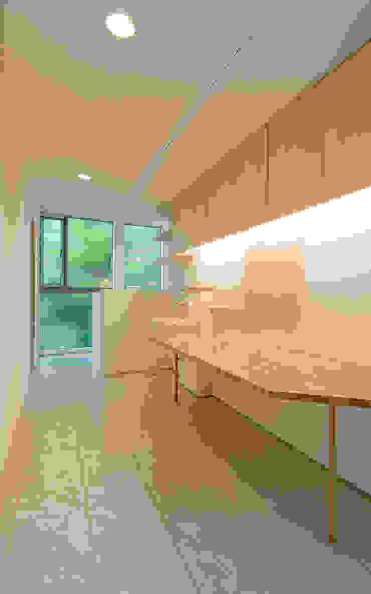町田の家 モダンデザインの 多目的室 の 萩原健治建築研究所 モダン