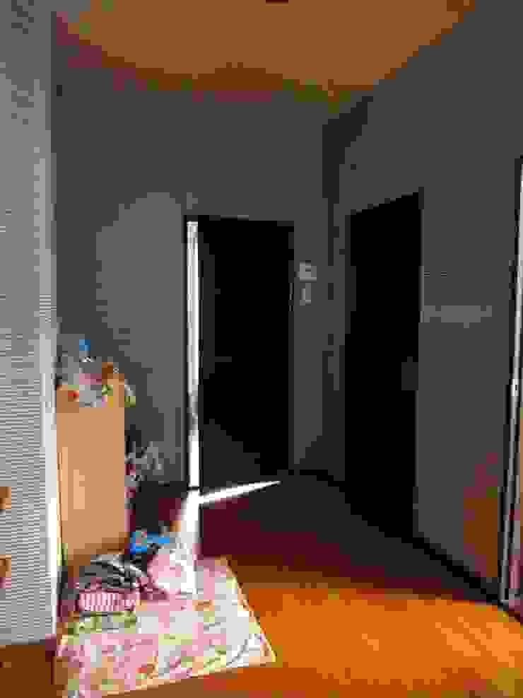 改修前 1階 玄関 の 松本勇介建築設計事務所 / Office of Yuusuke MATSUMOTO