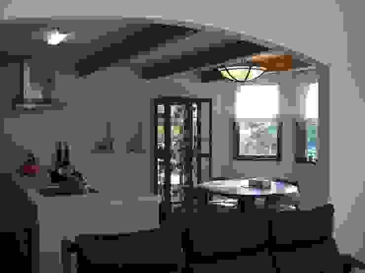 山の上の別荘 地中海デザインの キッチン の ヒロ・デザイン・ラボ 地中海
