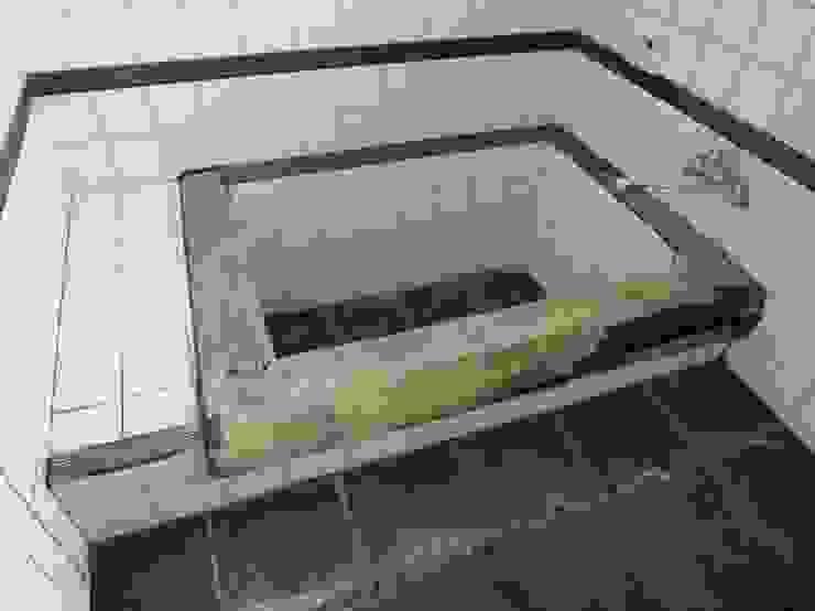 改修前 1階 浴室 の 松本勇介建築設計事務所 / Office of Yuusuke MATSUMOTO