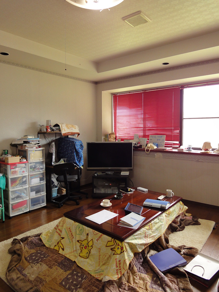 改修前 1階 居間 の 松本勇介建築設計事務所 / Office of Yuusuke MATSUMOTO