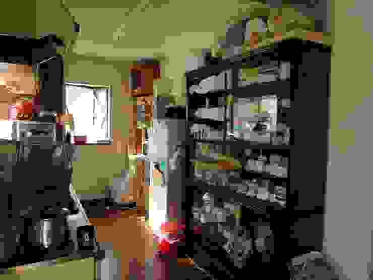 改修前 1階 台所 の 松本勇介建築設計事務所 / Office of Yuusuke MATSUMOTO