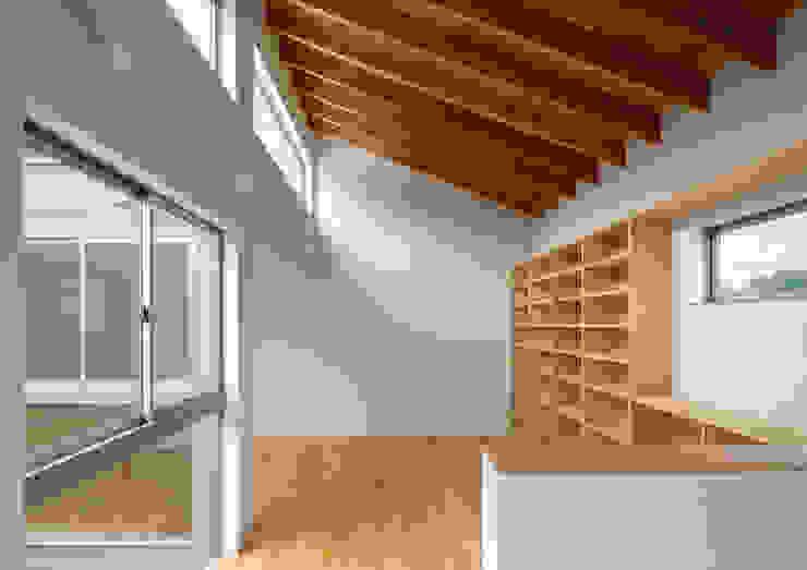 三浦の家 ミニマルデザインの リビング の 萩原健治建築研究所 ミニマル