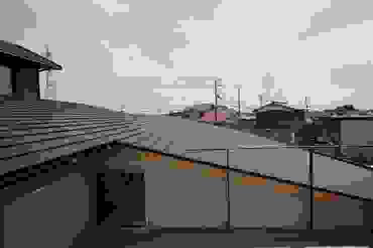 C邸ー大きな屋根の家 和風デザインの テラス の C-design吉内建築アトリエ 和風