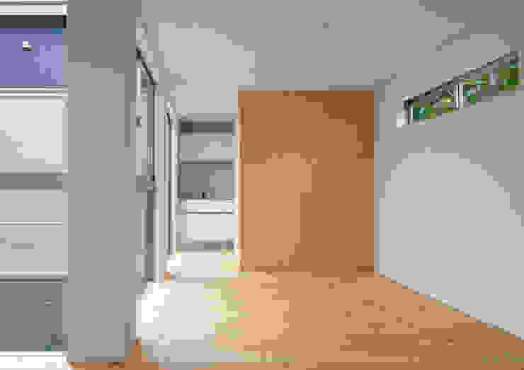 三浦の家 萩原健治建築研究所 ミニマルデザインの ダイニング