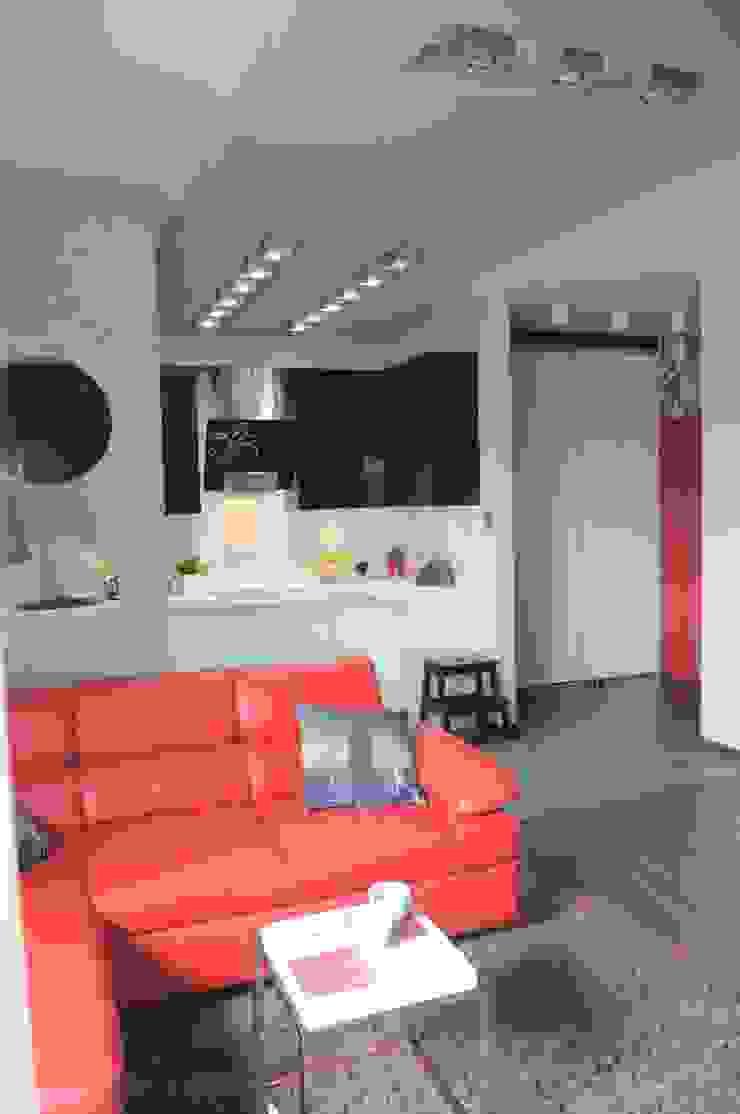 Modern corridor, hallway & stairs by Perfect Home Modern