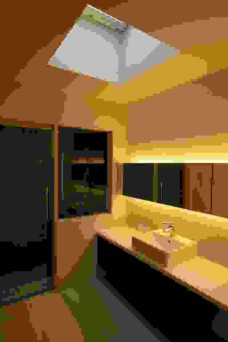 Modern Bathroom by C-design吉内建築アトリエ Modern