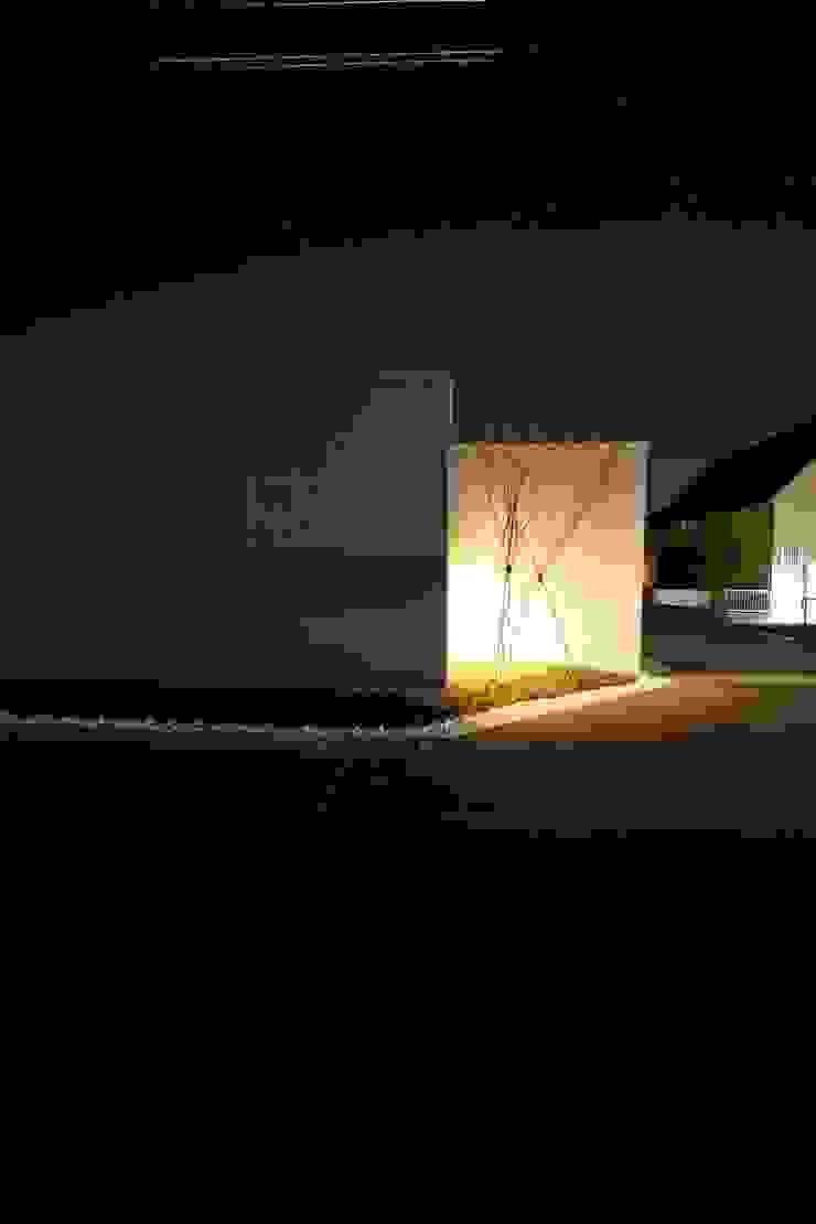 Modern Houses by C-design吉内建築アトリエ Modern
