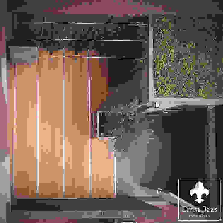 Overvieuw Patio Moderne tuinen van Ernst Baas Hoveniers B.V. / Ernst Baas Tuininrichting B.V. Modern