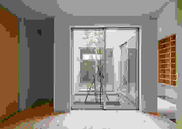 三浦の家 ミニマルスタイルの 寝室 の 萩原健治建築研究所 ミニマル
