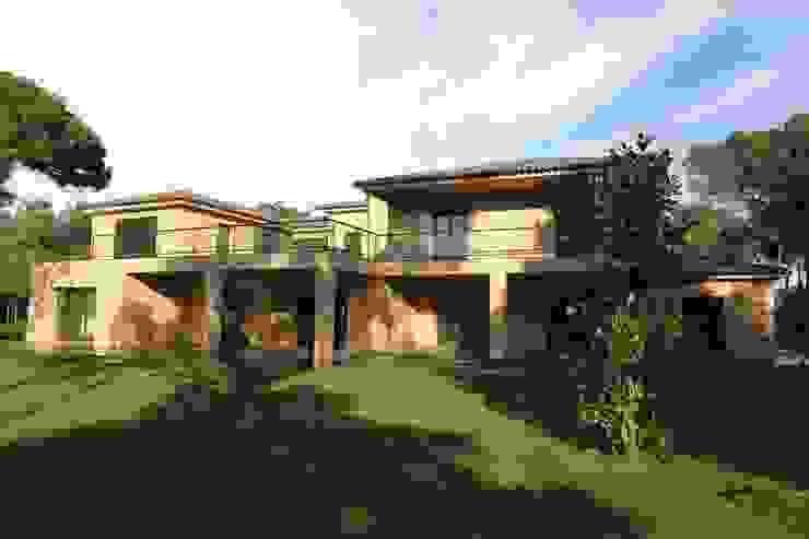 Villa in Quinta da Marinha, Cascais Casas clássicas por shfa Clássico