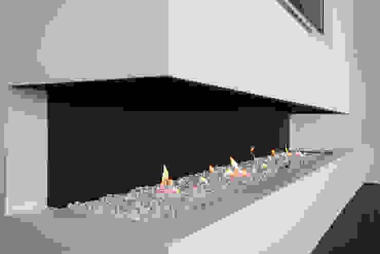 Eigentijds wonen in een rietgedekte villa: modern  door Lab32 architecten, Modern