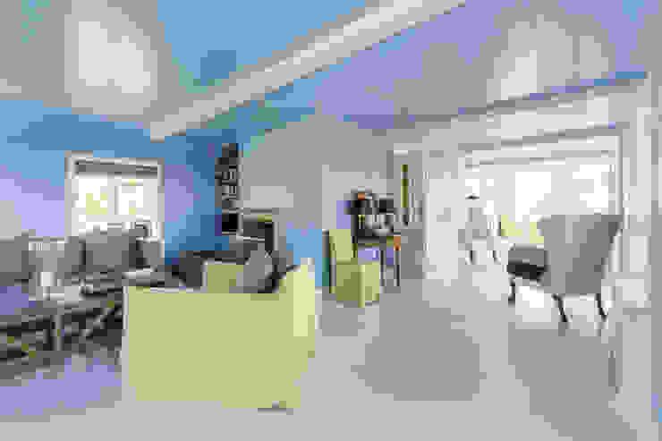 Salas de estar clássicas por Ralph Justus Maus Architektur Clássico