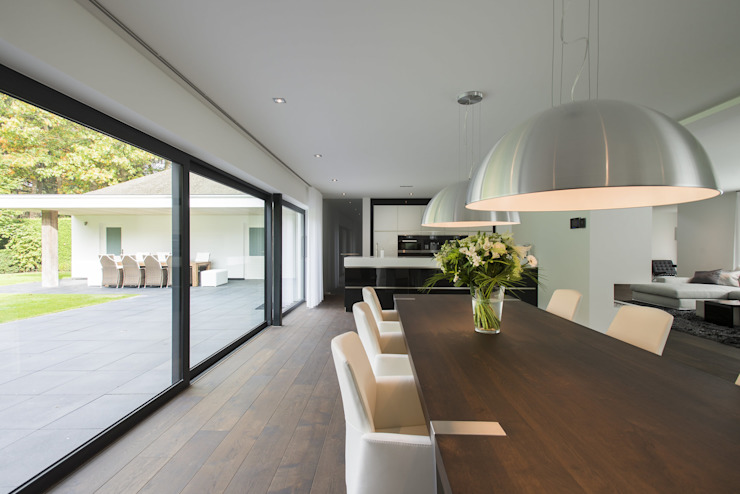 Modern Dining Room by Lab32 architecten Modern