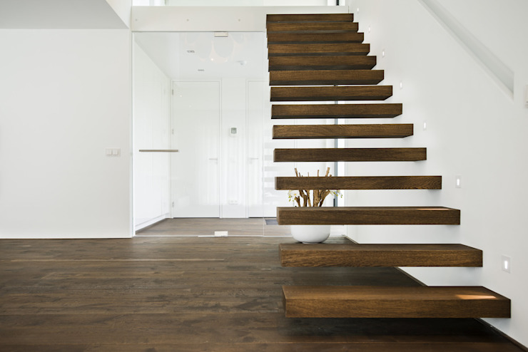 Lab32 architecten Minimalistischer Flur, Diele & Treppenhaus