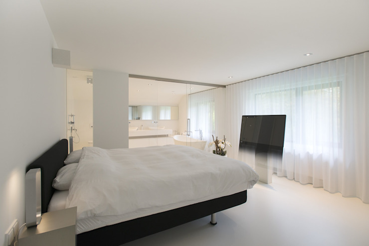 Modern style bedroom by Lab32 architecten Modern
