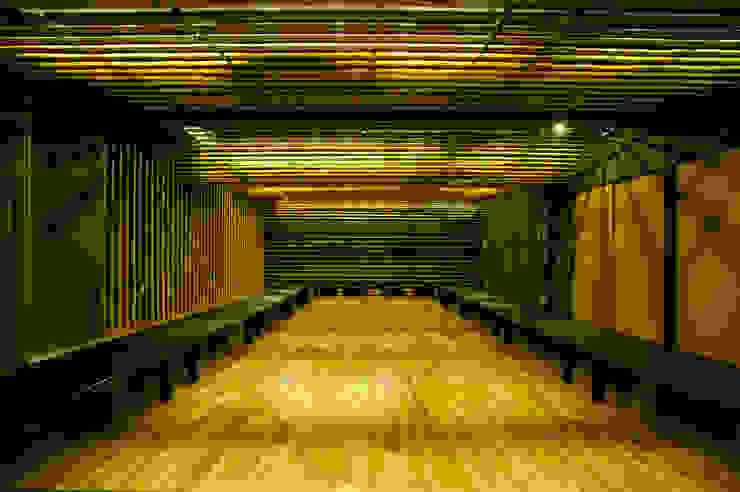2階の竹の間: 一級建築士事務所たかせaoが手掛けたミニマリストです。,ミニマル