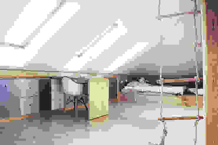COI Pracownia Architektury Wnętrz Chambre d'enfant moderne