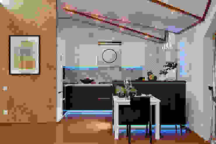 Студия дизайна ROMANIUK DESIGN Balkon, Beranda & Teras Modern