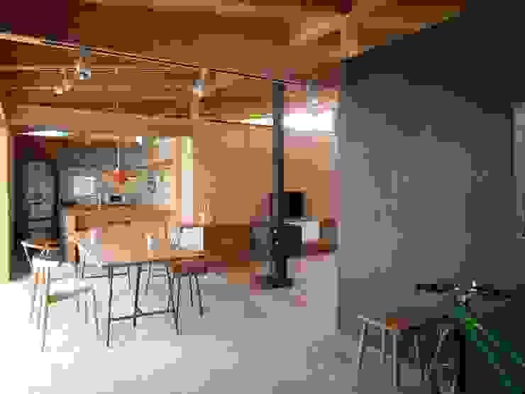 土間のダイニング|mat house オリジナルデザインの ダイニング の KAZ建築研究室 オリジナル