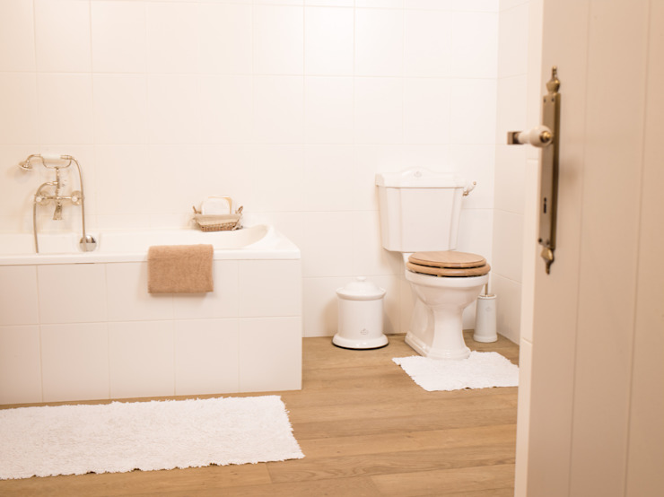 Kenny&Mason BathroomToilets