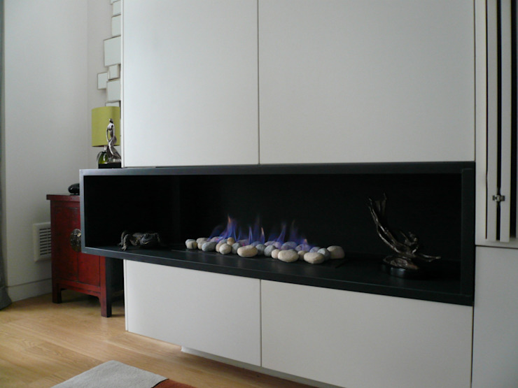 Architectural decorative fireplace Space Alchemy Ltd Ruang Keluarga Modern