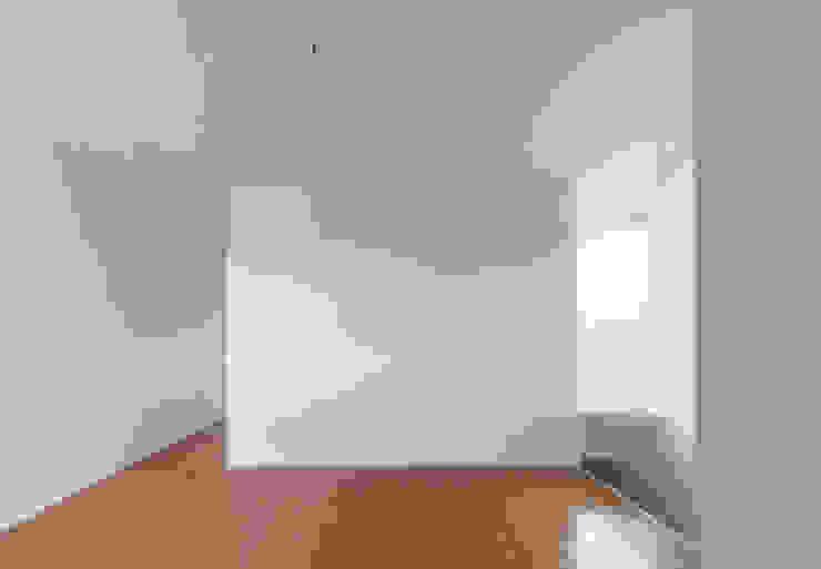 2階 セカンドリビング の 松本勇介建築設計事務所 / Office of Yuusuke MATSUMOTO