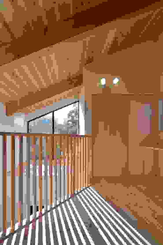 若山建築設計事務所 Asian style corridor, hallway & stairs