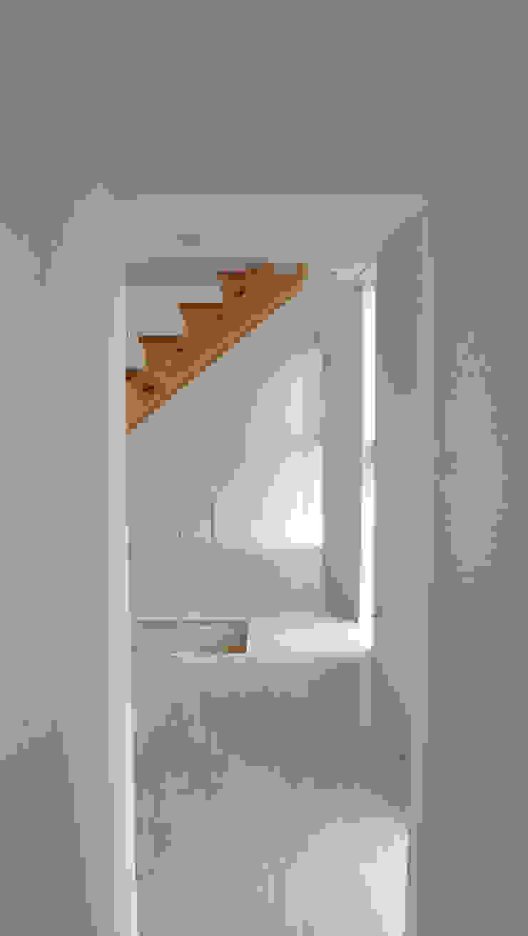 2階リビング オリジナルスタイルの 玄関&廊下&階段 の 清正崇建築設計スタジオ オリジナル