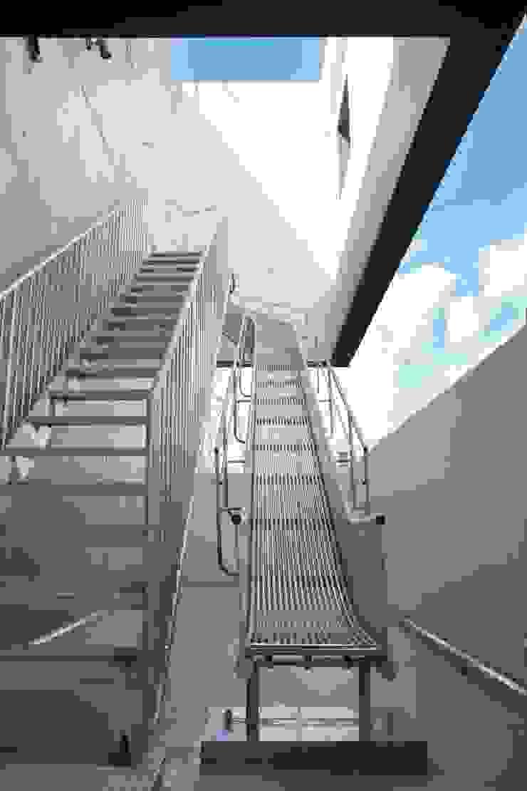 避難階段 オリジナルな医療機関 の 清正崇建築設計スタジオ オリジナル