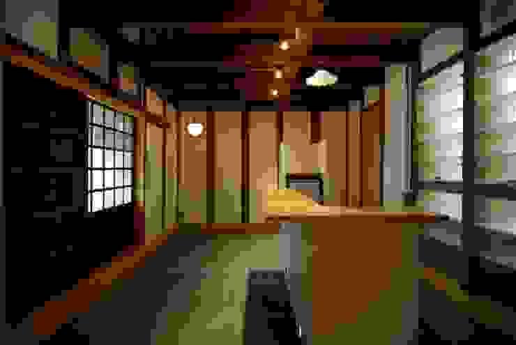 土間: 兵藤善紀建築設計事務所が手掛けたクラシックです。,クラシック