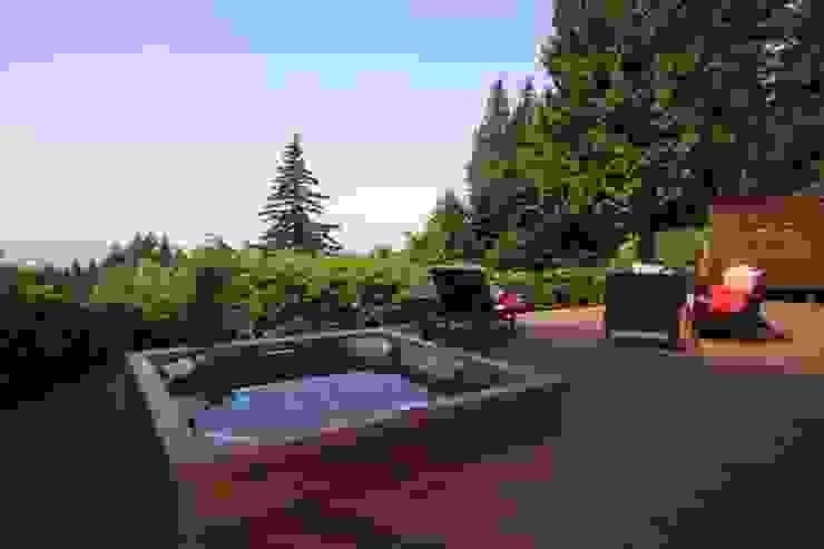 Euphoria Lifestyle Classic style garden by Euphoria Lifestyle Classic