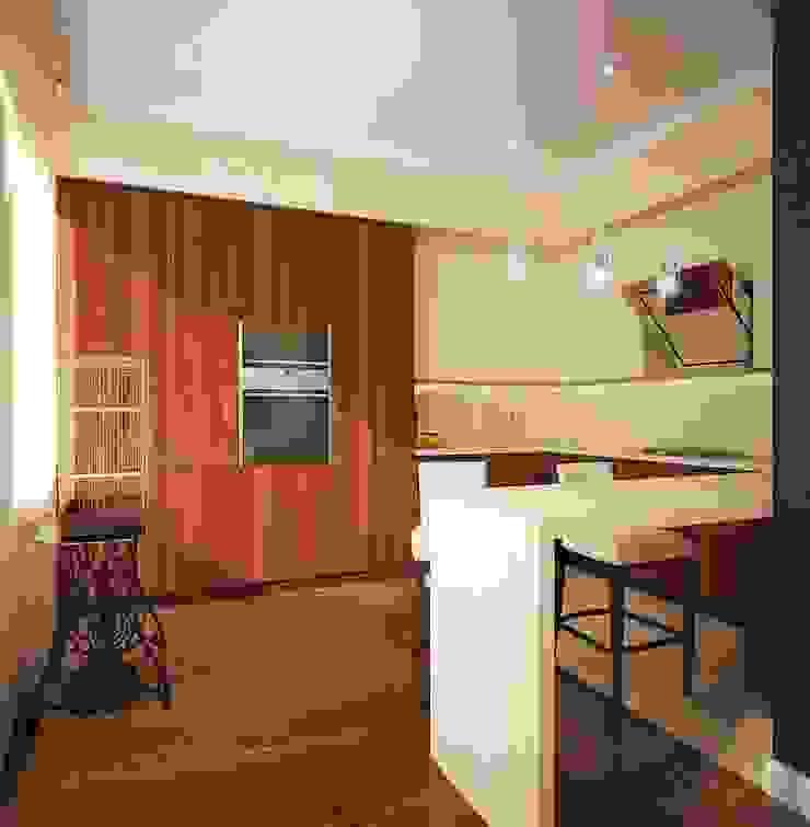 квартира на Удальцова Кухня в классическом стиле от ООО 'Студио-ТА' Классический