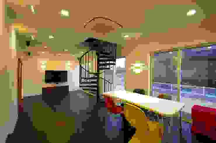 WORKS HOUSE オリジナルデザインの リビング の 徳永建築事務所 オリジナル