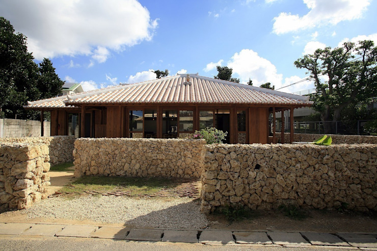 全景 アジア風レストラン の シンクロアーキテクツ一級建築士事務所 和風