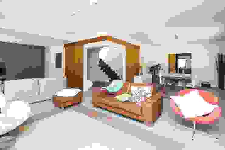 Salon moderne par shfa Moderne
