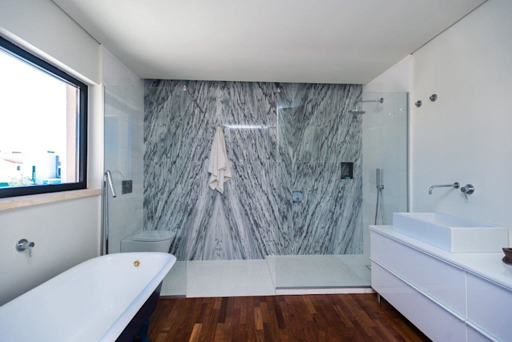 Renovação moradia em Birre | Cascais Casas de banho modernas por shfa Moderno