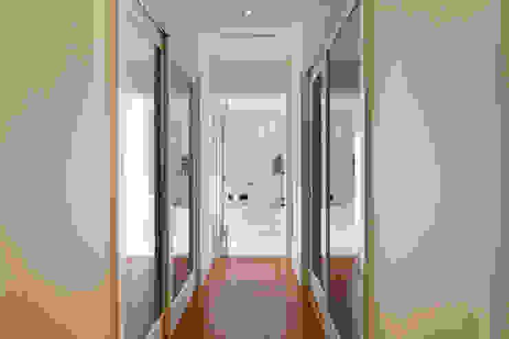 Casa Itu Closets por Designer de Interiores e Paisagista Iara Kílaris Moderno