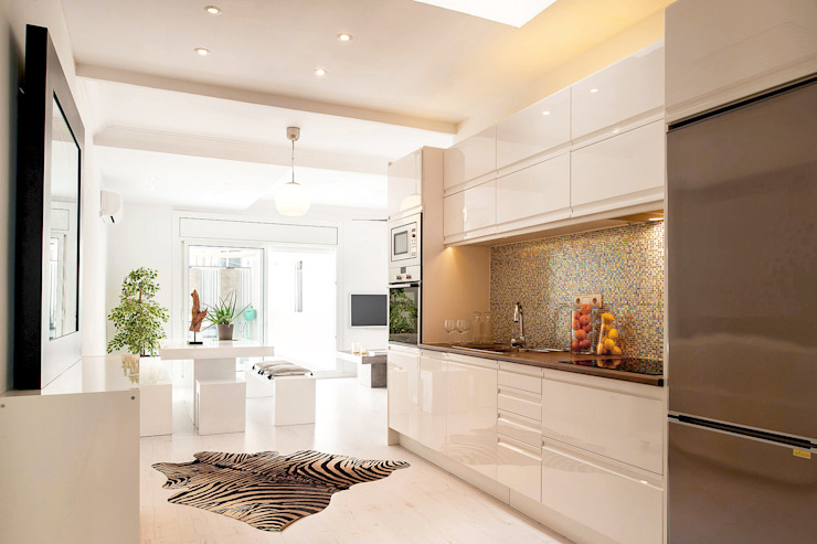 Markham Stagers Kitchen White