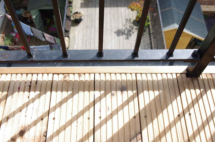 Decking Modern balcony, veranda & terrace by Collective Works Modern