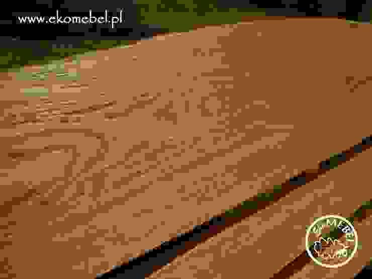 EKOMEBEL widoczna struktura drewna w ławce od Ekomebel - dębowe meble ogrodowe Rustykalny