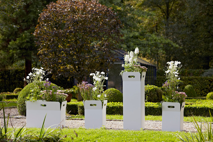 de estilo  por Mon Entrée Design.com, Moderno Aluminio/Cinc