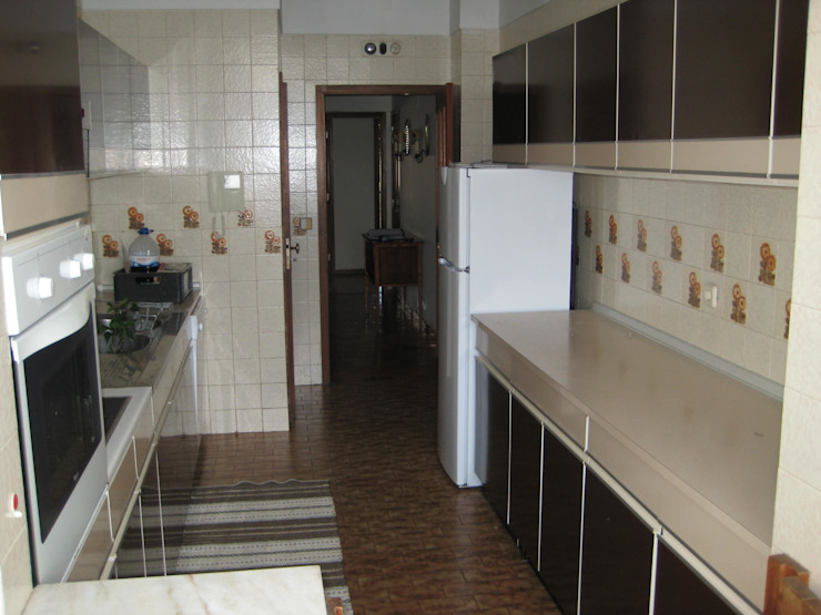 Kitchen by Germano de Castro Pinheiro, Lda,