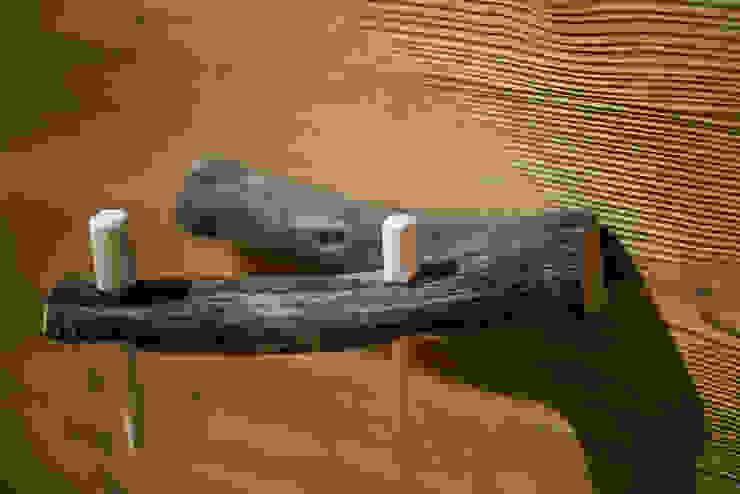 Salle de bain rustique par RI-NOVO Rustique