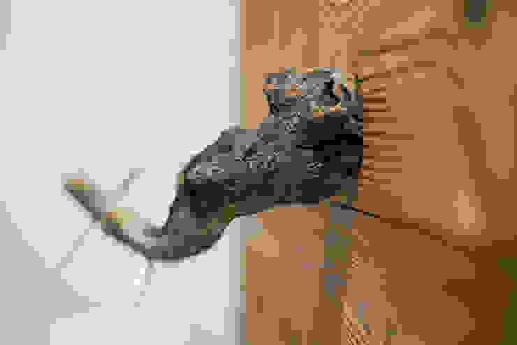 Chalet Bagno in stile rustico di RI-NOVO Rustico