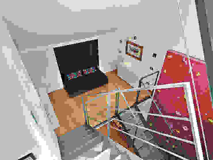 Abitazione su più piani Camera da letto moderna di D3 Architetti Associati Moderno