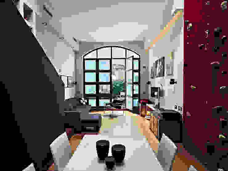 Abitazione su più piani Soggiorno moderno di D3 Architetti Associati Moderno