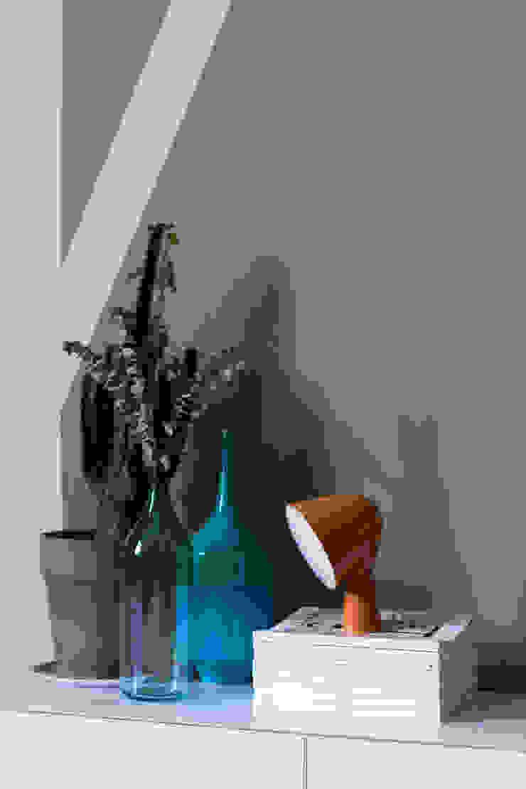 EK Architecte 现代客厅設計點子、靈感 & 圖片