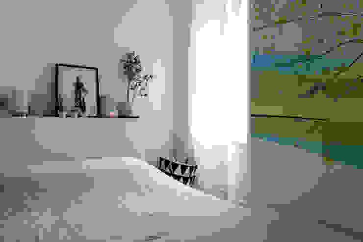 Modern style bedroom by EK Architecte Modern