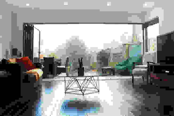 Brockley, Lewisham SE4, London | House extension Modern living room by GOAStudio | London residential architecture Modern
